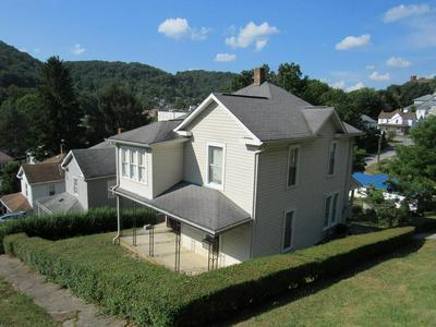 223 WALNUT ST, BLUEFIELD, WV 24701 - Photo 1