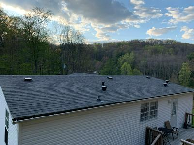 229 HENRY HOLLOW RD, BLUEFIELD, WV 24701 - Photo 2