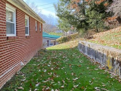 2581 BRUSHFORK RD, BLUEFIELD, WV 24701 - Photo 2