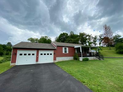 209 WILLOWBROOK RD, PRINCETON, WV 24739 - Photo 2