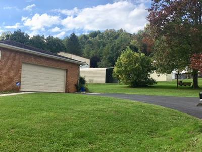 1300 GLENWOOD PARK RD, PRINCETON, WV 24739 - Photo 2