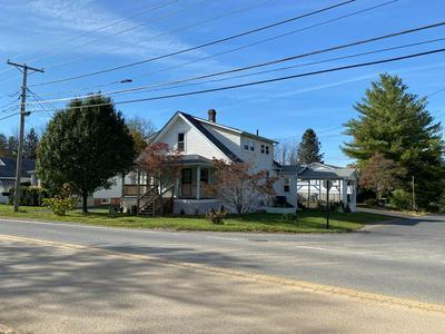 664 W CUMBERLAND RD, BLUEFIELD, WV 24701 - Photo 2