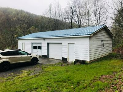 1728 BULLTAIL HOLLOW RD, BLUEFIELD, WV 24701 - Photo 2