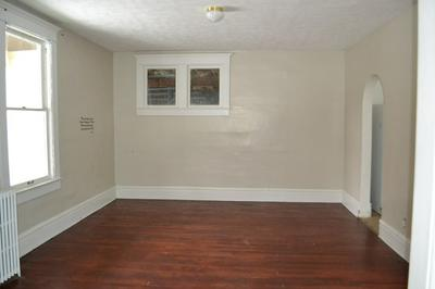 1301 HIGHLAND AVE, BLUEFIELD, WV 24701 - Photo 2