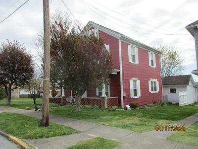 903 REYNOLDS AVE, Princeton, WV 24740 - Photo 2