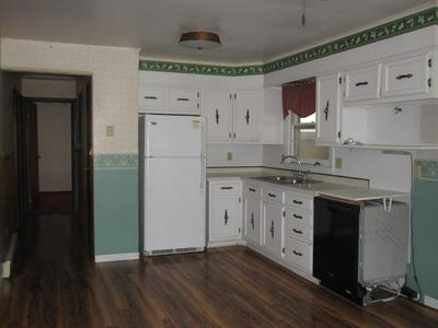 321 TUMBLEWEED ST, Princeton, WV 24740 - Photo 2