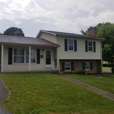 100 DOAK ST, BLUEFIELD, VA 24605 - Photo 1