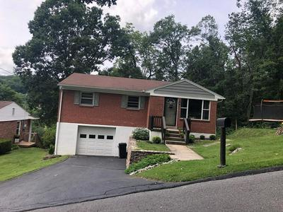 1604 WHITETHORN STREET EXT, BLUEFIELD, WV 24701 - Photo 2