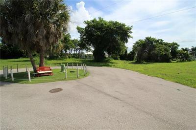 964 LEO CT, MARCO ISLAND, FL 34145 - Photo 2