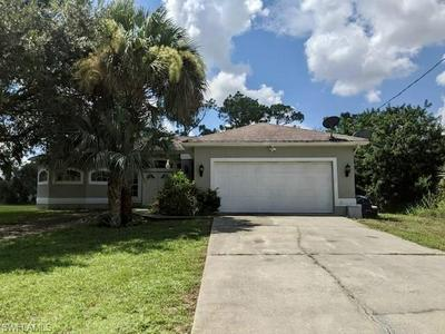 8001 SHERWOOD CIR, LABELLE, FL 33935 - Photo 2