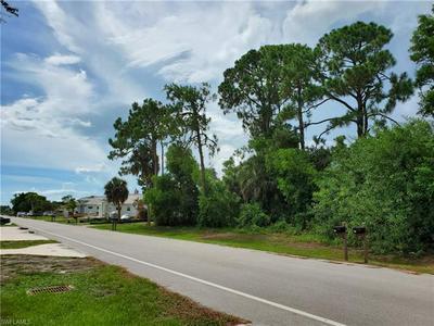 783 110TH AVE N, NAPLES, FL 34108 - Photo 2