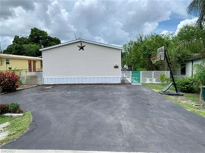 1305 APPLE ST, IMMOKALEE, FL 34142 - Photo 1