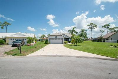 5855 WESTBOURGH CT, NAPLES, FL 34112 - Photo 2