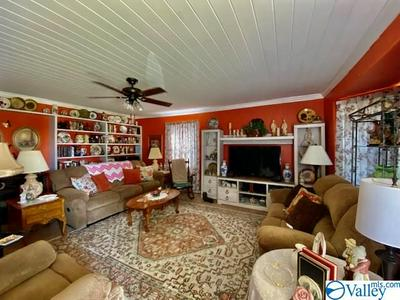 907 HEREFORD DR, ATHENS, AL 35611 - Photo 2