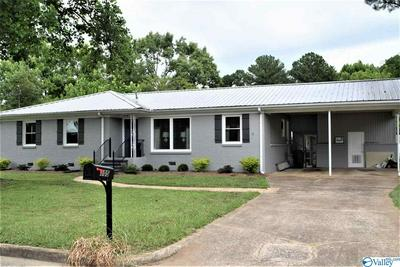 105 CORDELL CT, GADSDEN, AL 35901 - Photo 2