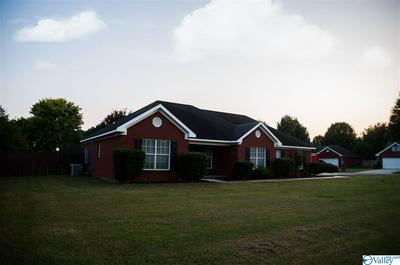 994 PINEWOOD DR SW, HARTSELLE, AL 35640 - Photo 2