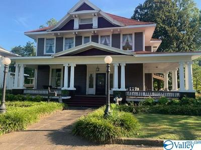 852 WALNUT ST, GADSDEN, AL 35901 - Photo 1