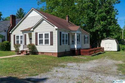 208 BYNUM ST, Scottsboro, AL 35768 - Photo 2
