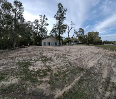 2040 RENEGADE LN, Milton, FL 32583 - Photo 2
