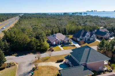 1828 SNAPDRAGON DR, Navarre, FL 32566 - Photo 2