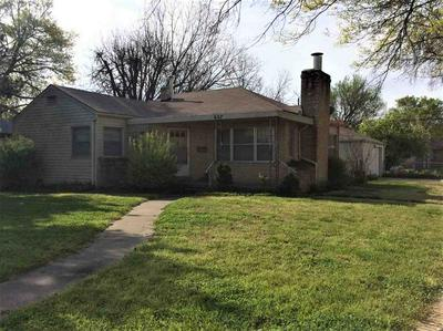 627 W BLACKWELL AVE, Blackwell, OK 74631 - Photo 2