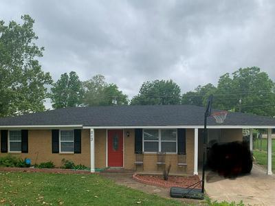 213 CLAUDE ST, Batesville, MS 38606 - Photo 1