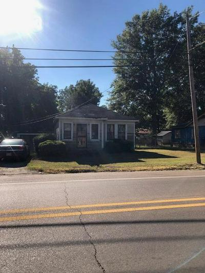 817 MARTIN LUTHER KING DR, Marks, MS 38646 - Photo 1