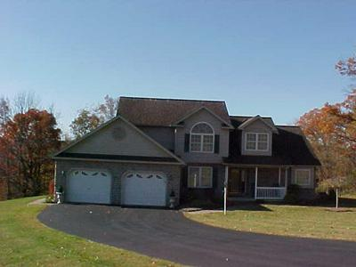 207 HILLSIDE DR, MANSFIELD, PA 16933 - Photo 2