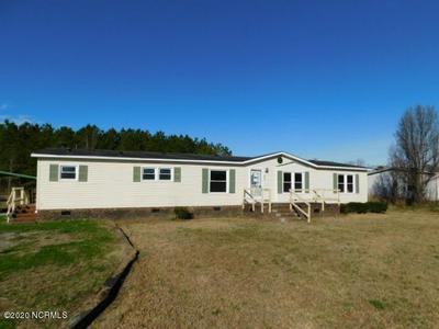 530 TAYLOR RD, CHOCOWINITY, NC 27817 - Photo 1