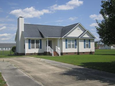 641 AVON RIDGE LN, Grimesland, NC 27837 - Photo 2