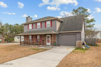 201 SUFFOLK CT, Jacksonville, NC 28546 - Photo 2