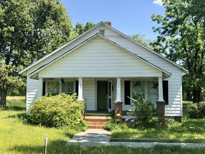 444 MORRISON RD, Maxton, NC 28364 - Photo 1