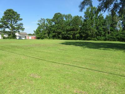 144 QUEENS CREEK RD, Swansboro, NC 28584 - Photo 1