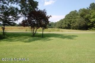 512 SUMMERSETT RD, Whiteville, NC 28472 - Photo 2