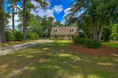 902 OXFORD DR, Morehead City, NC 28557 - Photo 2