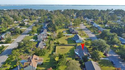 207 ROCHELLE DR, Morehead City, NC 28557 - Photo 2