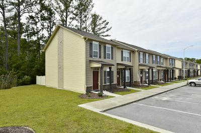 401 SULLIVAN LOOP RD, Jacksonville, NC 28544 - Photo 2