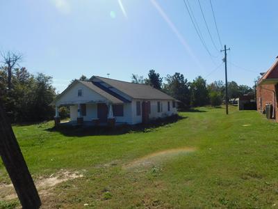 705 W 3RD ST, Pembroke, NC 28372 - Photo 1