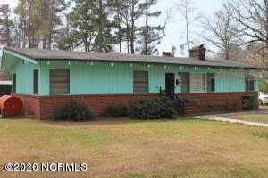 513 W COLLEGE ST, WHITEVILLE, NC 28472 - Photo 2