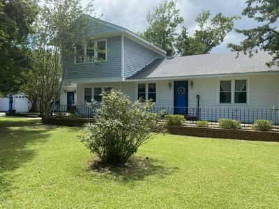 2613 MAYBERRY LOOP RD, Morehead City, NC 28557 - Photo 2