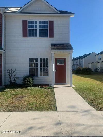 911 SPRINGWOOD DR, Jacksonville, NC 28546 - Photo 1