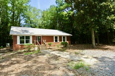 210 N FIRST AVE, New Bern, NC 28560 - Photo 2
