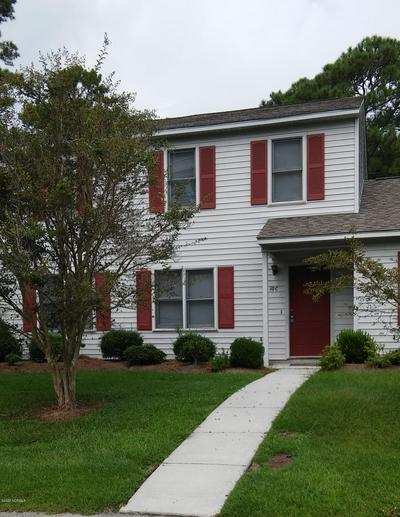10 PORTWEST TOWNHOUSES APT C, Swansboro, NC 28584 - Photo 1