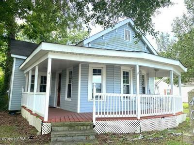 401 W HARGETT ST, Richlands, NC 28574 - Photo 1
