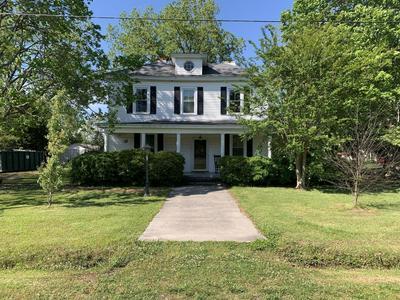 208 W WILSON ST, Dover, NC 28526 - Photo 1
