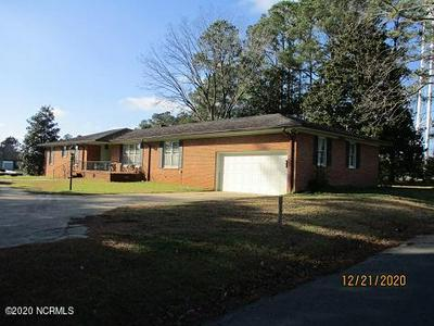 622 SANDERS ST, Clinton, NC 28328 - Photo 1