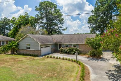 3852 N HILLS DR, Ayden, NC 28513 - Photo 1