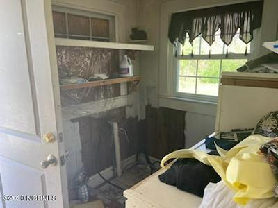 898 MAIN ST, Pinetown, NC 27865 - Photo 2