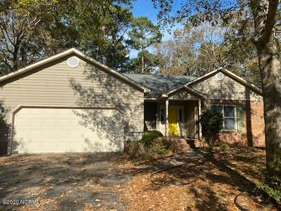 204 BAYTREE DR, Jacksonville, NC 28546 - Photo 2