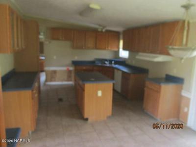 319 MEEKINS RD, Bayboro, NC 28515 - Photo 2
